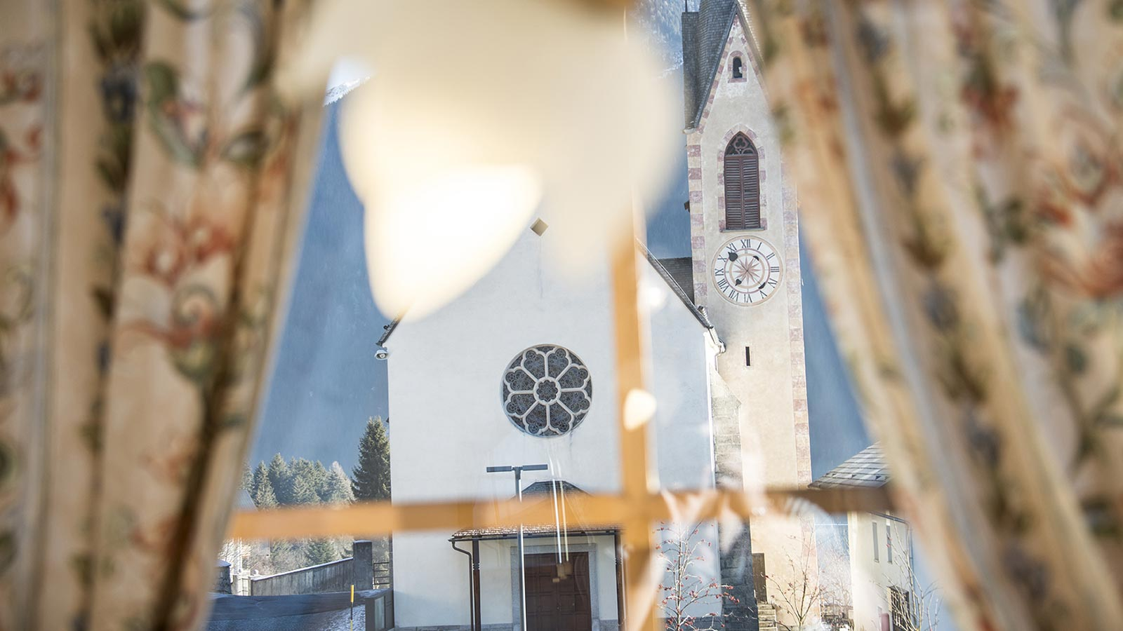 View of the church from one of the windows of Hotel Gschwendt in Val Casies